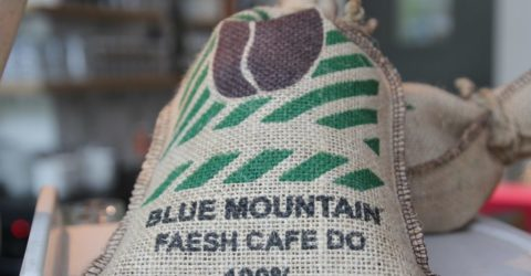 Jamaica-Blue-Mountains-coffee-bag-2296123_1280-pixabay